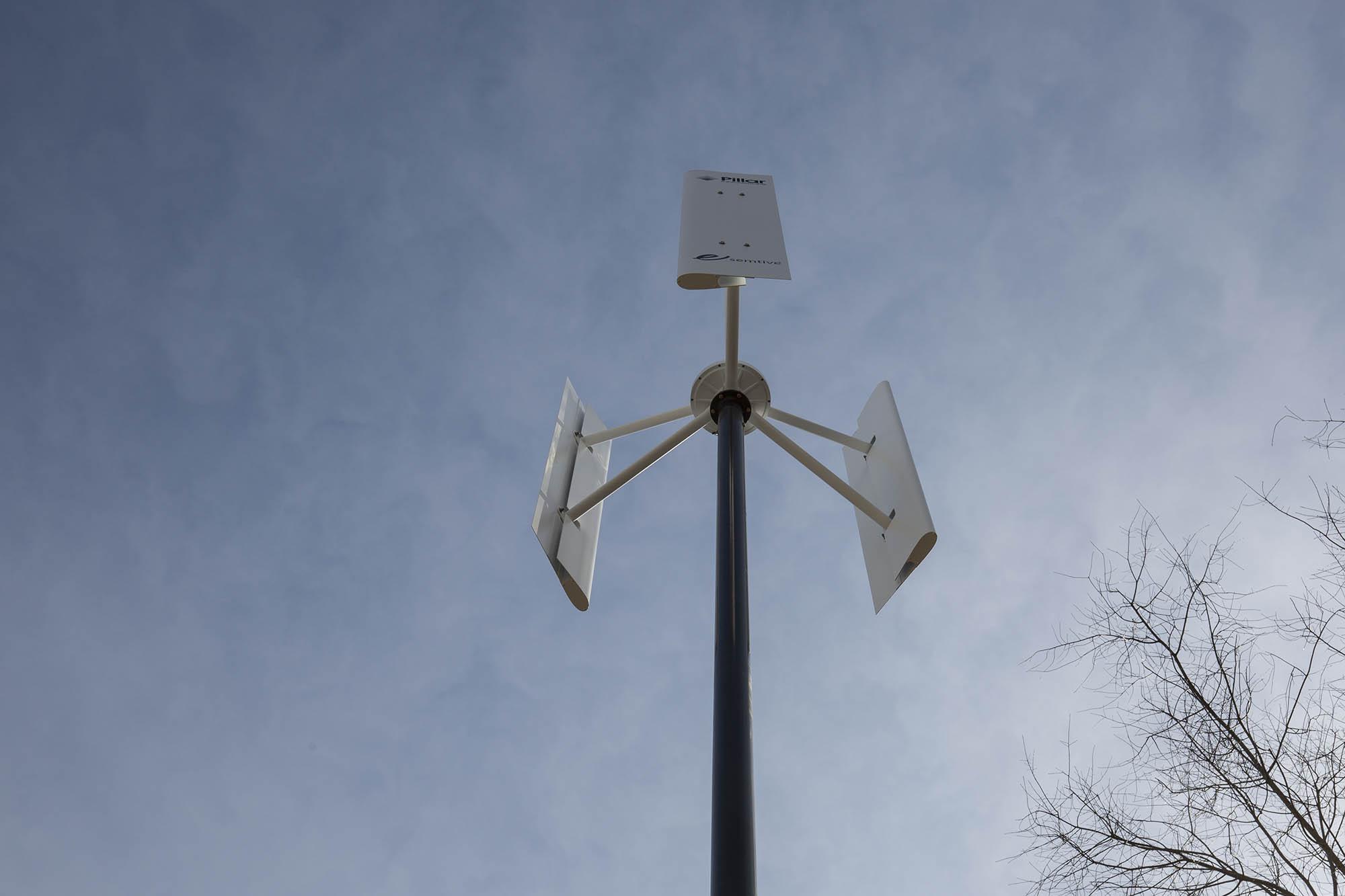 Off-Grid Wind Turbine Image
